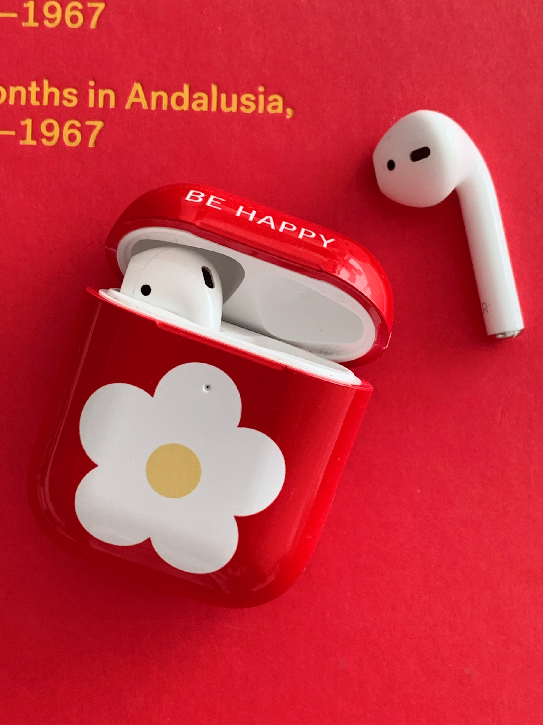 Be happy [ Red: Airpods ]